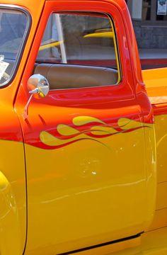 Yellow & Red   Pinterest: @patriciamaroca