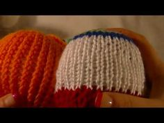 (2) Vlog Weel 36 How to do the Authentic Knit Stitch Reverse Pearl on Knitting Loom - YouTube Loom Knitting Stitches, Pearls, Youtube, Beads, Youtubers, Youtube Movies, Gemstones, Pearl