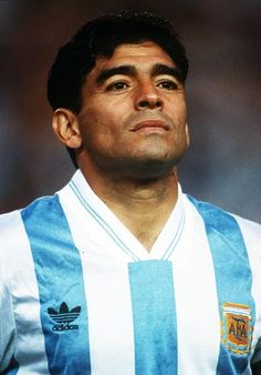 Born: October 1960 - Diego Armando Maradona Franco is a retired Argentine professional footballer. He has served as a manager and coach at other clubs as well as for the national team of Argentina. Fifa, Messi, History Of Soccer, Real Madrid Team, Retro Pictures, Retro Pics, Salah Liverpool, Diego Armando, Sport Icon