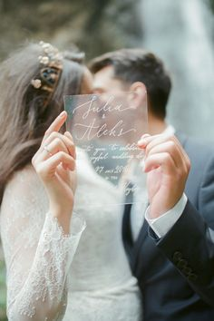 glass wedding stationery приглашения на стекле