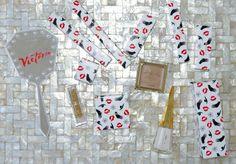 Embalagens muito fofas da coleção da MAC x Charlotte Olympia. Vic Ceridono | Dia de Beauté