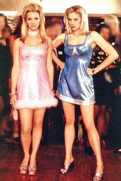 Romy and Michelle ( Lisa Kudrow and Mira Sorvino) Fashion Guys, Fashion Models, Fashion Outfits, 2000s Fashion Trends, Early 2000s Fashion, Film Fashion, Vogue Fashion, Fashion 2018, Fashion Photo