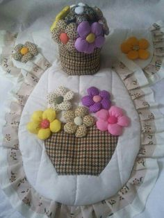 Decor Crafts, Diy And Crafts, Sewing Projects, Projects To Try, English Paper Piecing, Sewing Box, Bargello, Bathroom Sets, Pin Cushions
