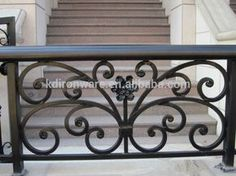Resultado de imagen para balcones forjados Wall Trellis, Wrought Iron Fences, Concrete Steps, Iron Balcony, Wrought Iron, Iron Balcony Railing, Wrought Iron Design, Balcony Grill, Stair Decor