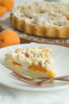 sommerliche Aprikosen-Tarte mit Skyr und Streusel