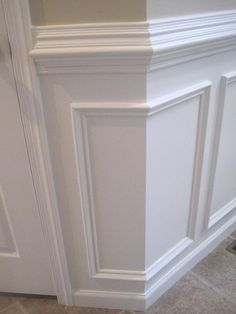 10 Honest Clever Tips: Painted Wainscoting Gray tall wainscoting high ceilings.Wainscoting Rustic Benches wood wainscoting how to build.Wainscoting Living Room The Doors. Wainscoting Bedroom, Wainscoting Ideas, Faux Wainscoting, Paneling Ideas, Wainscoting Kitchen, Wainscoting Height, Stairway Wainscoting, Wall Molding, Moulding