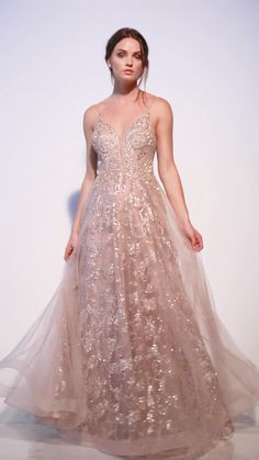 Andrea & Leo Couture ARIANNA GOWN – Expolore the best and the special ideas about Georges chakra Pretty Prom Dresses, Grad Dresses, Beautiful Dresses, Evening Dresses, Formal Dresses, 1950s Dresses, Homecoming Dresses, Vintage Dresses, Formal Wear