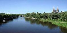 LUJÄN  El Río Luján, ofrece un lugar para descansar, con verde, y lugares recreativos a sus alrededores. También existen estancias para alquilar y pasar así días de campo.