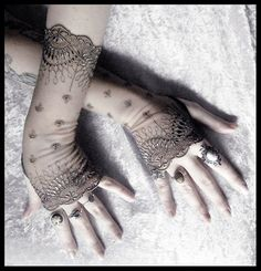 Bianca Long Lace Fingerless Gloves