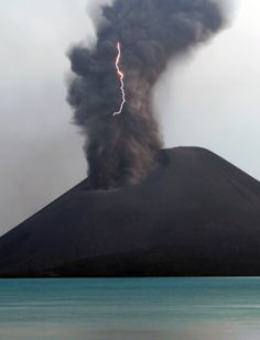 The #volcano #Krakatoa (Krakatau) is located in the Malay Archipelago in Indonesia. It is located in the Sunda Strait between the islands of Java and Sumatra.