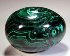 #ad #crystals #crystalhealing #minerals #geology Azurite Malachite, Geology, Crystal Healing, Minerals, Crystals, Decor, Hipster Stuff, Decoration, Crystal