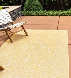 Washable rugs for beautiful outdoor spaces – Nina's Apartment Indoor Outdoor Area Rugs, Outdoor Spaces, Outdoor Decor, Three Season Porch, Washable Rugs, Online Home Decor Stores, Unique Colors, Blue Area Rugs, Colorful Rugs