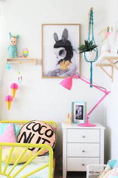 Kids bedroom tour of a bright and colourful toddler bedroom. This kids bedroom features the sunrise bed by US designer SAND. #KidBedrooms