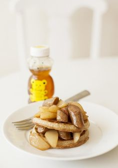 You'll have no trouble waking up when this Sweet and Savory Honey Pear and Sausage Stack- that combines Eggo Waffles, sausage and pears - is on the menu! Recipe courtesy of Jessica James. Breakfast Time, Breakfast Recipes, School Recipe, Menu Recipe, Eggo Waffles, Jessica James, Trifle, Ice Cream Recipes, Kid Friendly Meals