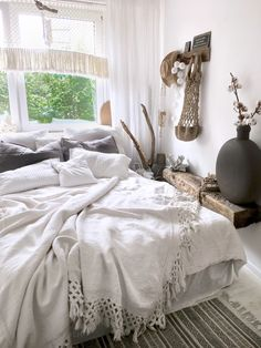 Bedroom ,instagram lavien_home_decor