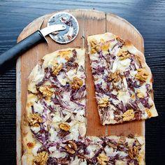 Pizza met radicchio en gorgonzola - recept - okoko recepten