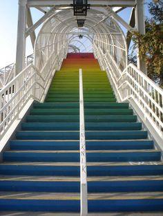 Diseño Escalera encantadora al aire libre con el arco iris Estilo