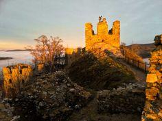 Zřícenina hradu Andělská hora: tajemná zřícenina u Karlových Varů Monument Valley, Manor Houses, Palaces, Castles, Nature, Travel, Naturaleza, Viajes, Palace