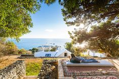 Steeped in history and nautical vibes, Simon's Town offers the best seaside holiday in Cape Town, at a fraction of the cost compared to other areas. Romantic Weekends Away, South Afrika, Seaside Holidays, Beach Tops, Beach Cottages, Beautiful Beaches, Coastal, Places, Outdoor Decor