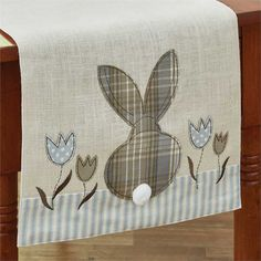 Details about Bunny Head Rabbit Jute Table Runner Easter Spring Decor Brooke Pattern Table Runner And Placemats, Table Runner Pattern, Quilted Table Runners, Patchwork Table Runner, Sewing Crafts, Sewing Projects, Fabric Crafts, Craft Projects, Diy Ostern