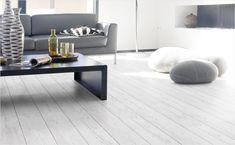 Wanneer u voor een PVC vloer kiest, raden wij u aan om dit door een vakman te laten leggen. Vraag uw vrijblijvende offerte aan voor één van onze PVC vloeren