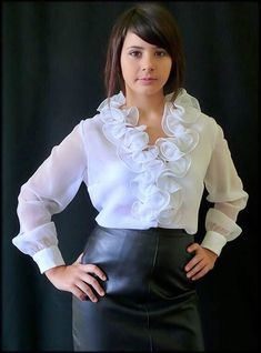 Ruffle Top, Ruffles, Ruffle Blouse, Sexy Blouse, Blouse And Skirt, Leather Dresses, Leather Skirt, White Blouses, Party Clothes