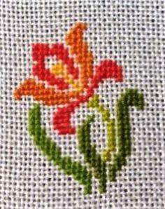 Cross Stitch Cushion, Small Cross Stitch, Cross Stitch Cards, Cross Stitch Borders, Cross Stitch Rose, Cross Stitch Flowers, Cross Stitch Kits, Cross Stitch Designs, Cross Stitching