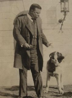 Theodore Roosevelt with Rollo (Saint Bernard)- Blind spots? But the National Parks and Monuments put all of us in his debt. Presidents Wives, American Presidents, Us History, American History, American War, Theodore Roosevelt, Edith Roosevelt, Roosevelt Family, President Roosevelt