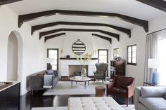 Disc-interiors-portfolio-interiors-eclectic-traditional-great-room-living-room