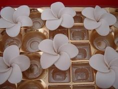 Frangipani, a common tropical flower giving off sweet perfumed scent; but this is the sugar version...tutorial