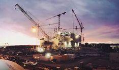 Spezialkrane positionieren das Dach des Fusionsreaktors Bosch Rexroth, Sailing Ships, Utility Pole, Electric Vehicle