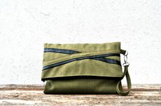Borsa a bustina pochette in tessuto verde di KatiaFabricStudio