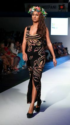 Love this dress from Pacific Island Art, showcased @ Fiji's Fashion Week. Island Wear, Island Outfit, Samoan Dress, Different Dresses, Tribal Fashion, Playing Dress Up, Fashion Boutique, Casual Outfits, Fashion Dresses