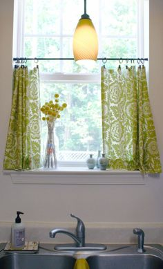 50 DIY Curtains and Drapery Ideas - Cute DIY Cafe Curtains - Easy No Sew Ideas and Step by Step Tutorials for Drapes and Curtain Ideas - Cheap and Creative Projects for Bedroom, Living Room, Kitchen, Kids and Teen Rooms - Simple Draperies for Fabric, Made Out of Sheets, Blackout Curtains and Valances http://diyjoy.com/diy-curtains-drapes