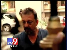 Bollywood actor and 1993 Mumbai blast convict Sanjay Dutt was released on a month-long parole from the Yerawada Jail and  left for Mumbai along with a relative. For more videos go to  http://www.youtube.com/gujarattv9  Like us on Facebook at https://www.facebook.com/gujarattv9 Follow us on Twitter at https://twitter.com/Tv9Gujarat Follow us on News4Gujarat www.news4gujarat.com