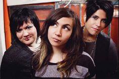 @gilrinacoma is an all grrl trio based in San Antonio, Texas. #qpocmusicians