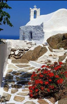 Hilltop church and geranium Cycladic church overlooking the sea and red geranium. Chora, Ios island, Cyclades, Greece www. Mykonos, Santorini, Oh The Places You'll Go, Places To Travel, Places To Visit, Beautiful Islands, Beautiful Places, Zakynthos, Beau Site