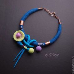 Need fantastic helpful hints concerning jewelry? Go to our great website! Textile Jewelry, Fabric Jewelry, Diy Jewelry, Jewelry Making, Felted Jewelry, Jewellery, Felt Necklace, Rope Necklace, Handmade Necklaces