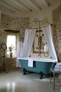 romantic bathroom freestanding tub @Sarah Chintomby Ceglarski Roussac http://www.charmhotelsweb.com/en/hotel/FR034