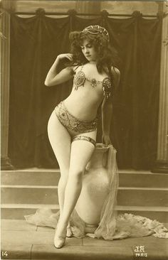1920's Model - French Postcard by Jean Agelou