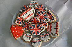 Love the polka dot cup! British Tea Time, British Party, Galletas Cookies, Fun Cookies, Decorated Cookies, Sugar Cookies, British Cookies, London Party, Jack Flag
