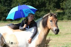 Woman with umbrella - null