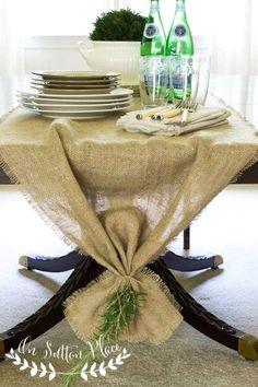 Easy No Sew Burlap Table Runner http://www.onsuttonplace.com/2014/08/easy-no-sew-burlap-table-runner/ @ bHome.us