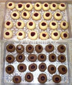 Recept na jednoduché sádlové koláčky. Home Recipes, Great Recipes, Holiday Cookies, Biscotti, Food Hacks, Doughnut, Cookie Recipes, Cooker, Breakfast Recipes