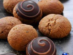Pfeffernüsse aus Schlesien ist ein Rezept mit frischen Zutaten aus der Kategorie Plätzchen. Probieren Sie dieses und weitere Rezepte von EAT SMARTER!