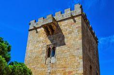 Janela manuelina na Torre de Menegam do Castelo de Pinhel