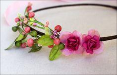 Colored headpiece with berries and flowers von Nuage Coloré auf DaWanda.com