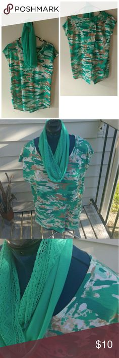 NWT TOP w/scarf NWT TOP w/scarf Overlap back Boutique Tops