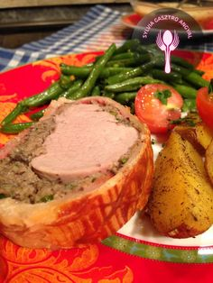 Wellington sertésszűz steak burgonyával és párolt zöldbabbal     Sylvia Gasztro Angyal Steak, Beef Recipes, Mashed Potatoes, Sausage, Pork, Ethnic Recipes, Advent, Meat Recipes, Whipped Potatoes