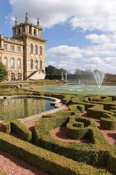 B And B Accommodation Near Blenheim Palace Blenheim Palace, near Oxford, England stands in a romantic park ...